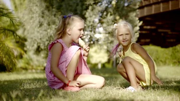 Узнайте, к чему снятся маленькие дети, чужие девочки.