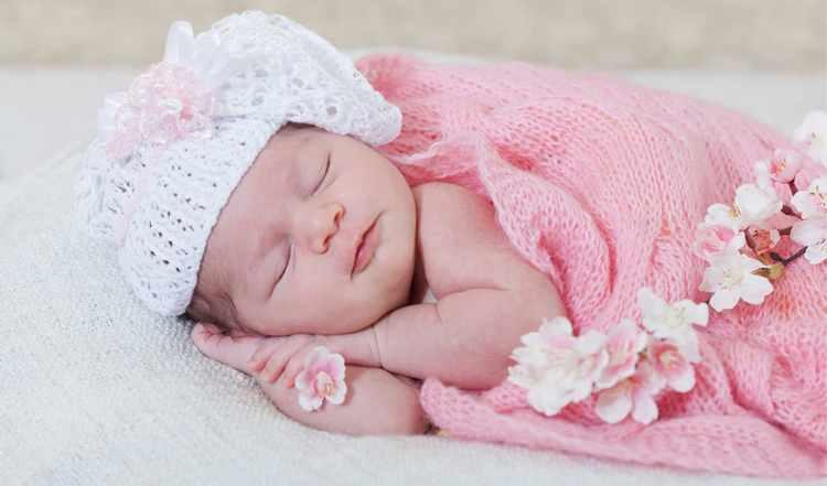 Узнайте, к чему снится ребенок маленькая новорожденная девочка.