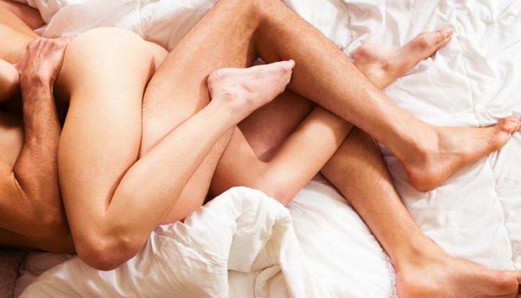 Узнайте, к чему снится секс с мужем.