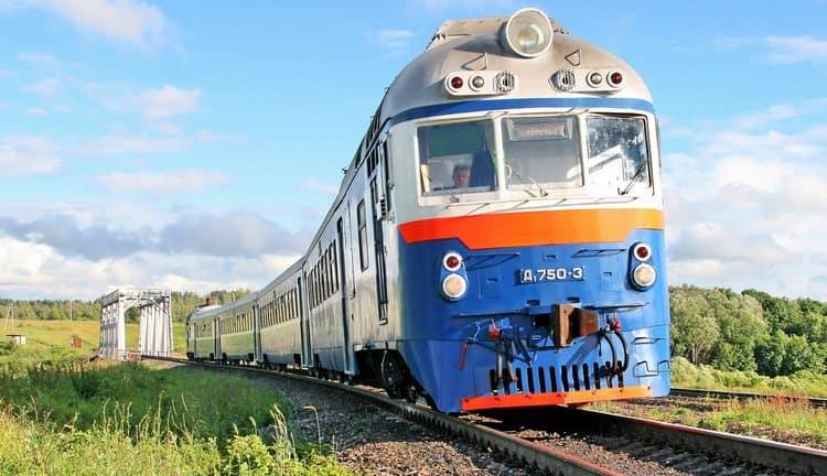 Поговорим о том, к чему снится видеть поезд во сне.