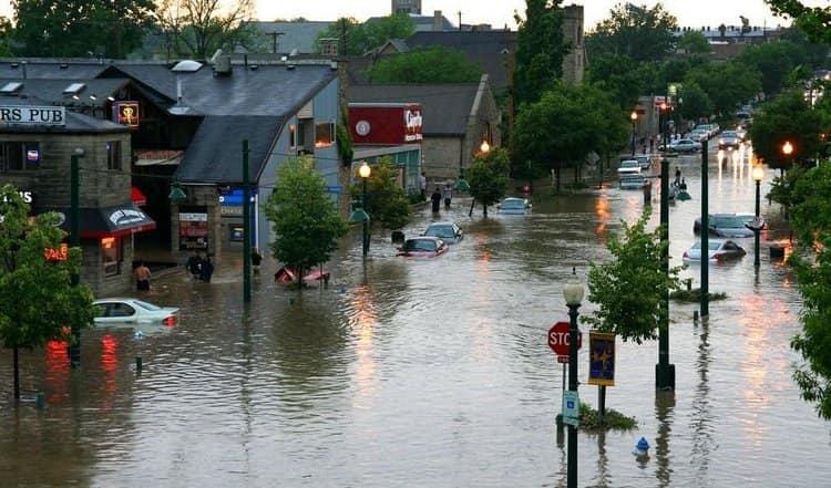 Посмотрите в соннике, к чему снится потоп, наводнение на улице.