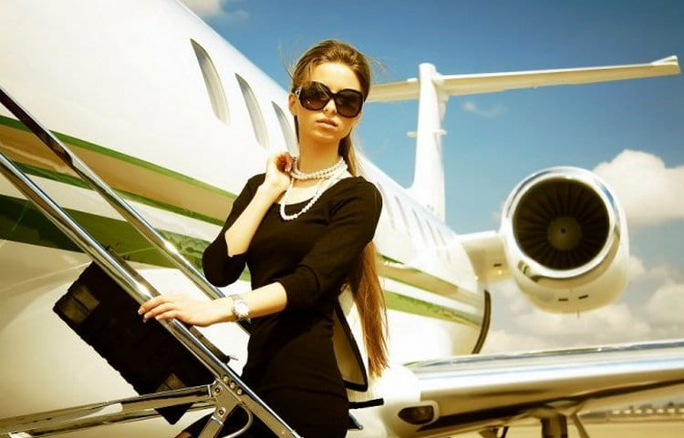 Узнайте, что по соннику означает опоздать на самолет.