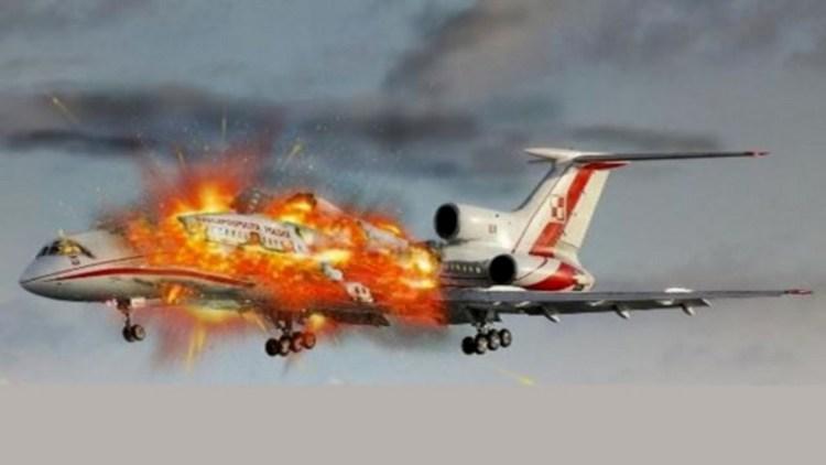 По соннику, если самолет падает, это может означать какое-то сложное событие.