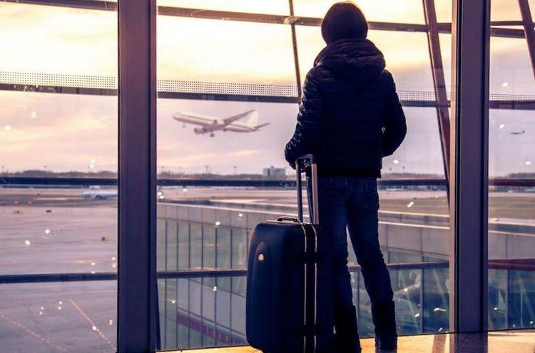 Узнайте, к чему снится опоздать на самолет.