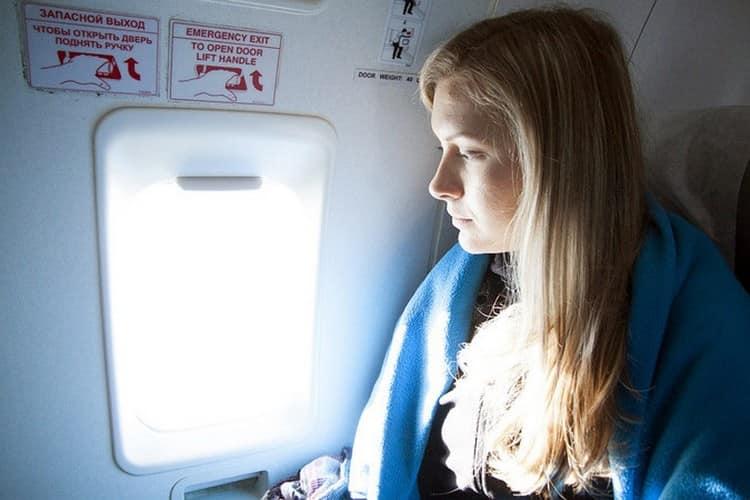 Узнайте, что по соннику означает лететь в самолете.