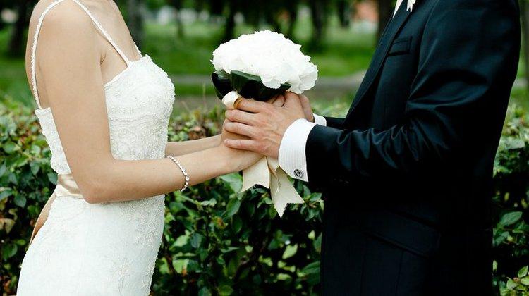Узнайте, к чему снится собственная свадьба незамужней девушке.