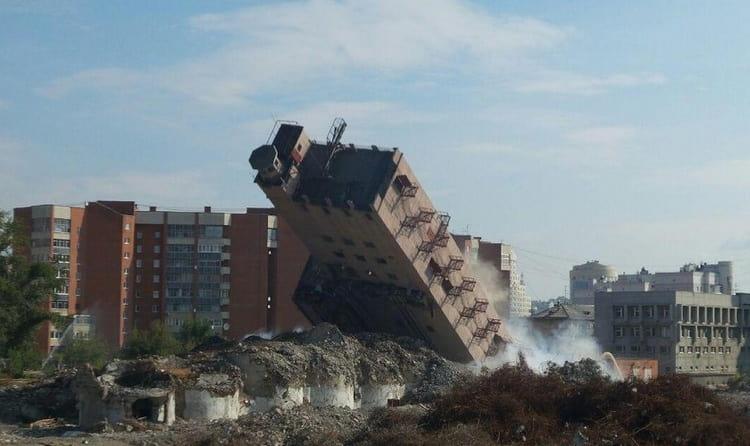 Узнайте, к чему снится землетрясение в доме.