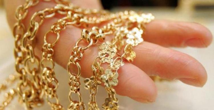 По соннику золото и украшения могут иметь разные значения.