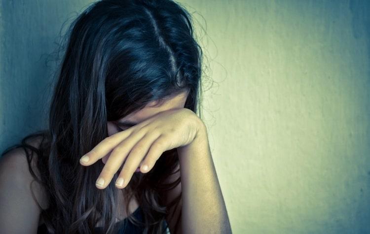 Если паразиты снятся молодой девушке, значит, на разочарована в парнях.
