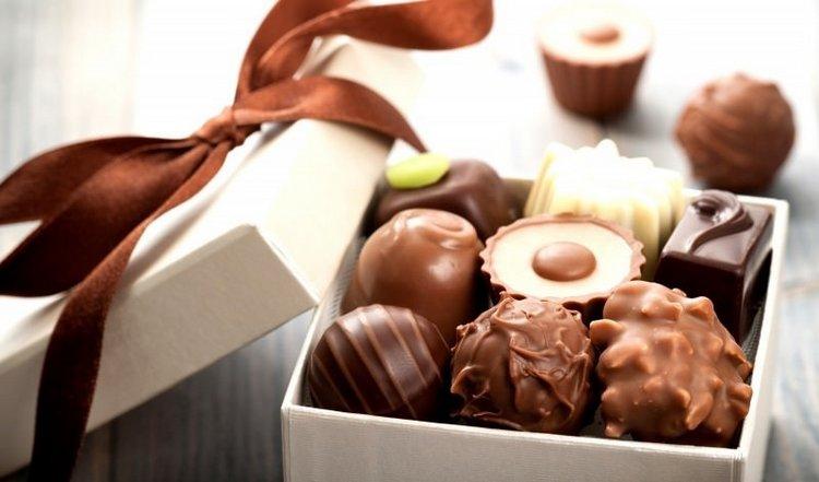 Узнайте, к чему снится покупать шоколадные конфеты.