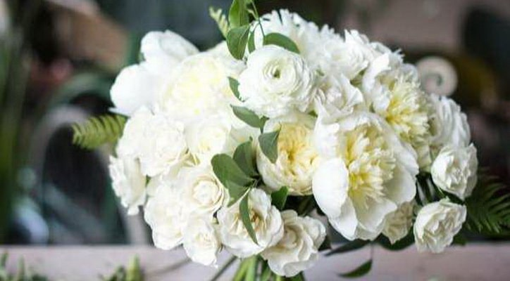 к чему снятся живые цветы в букете