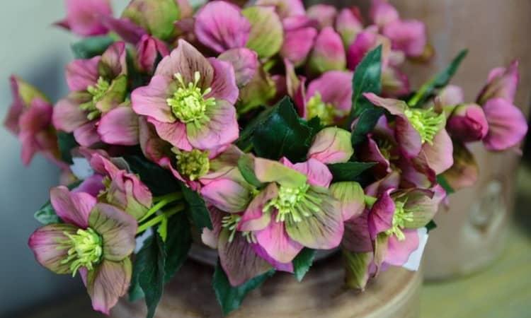 к чему снятся искусственные цветы