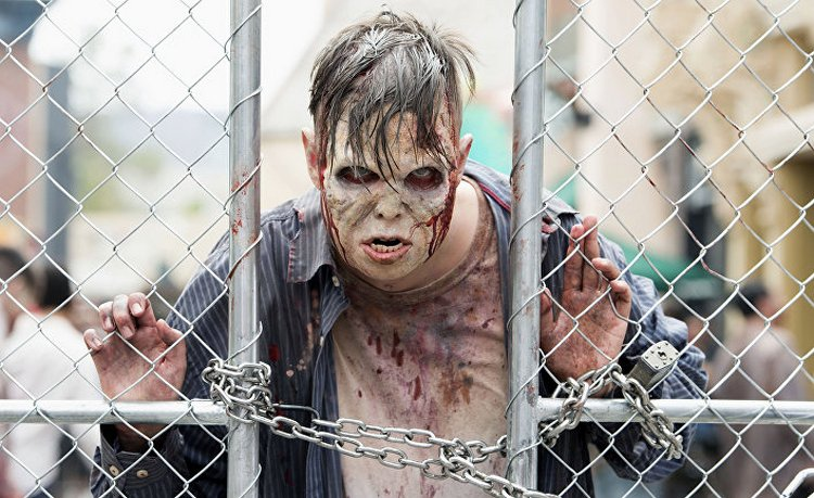 Сонник обьяснит, что значит, если снится, что зомби нападают.