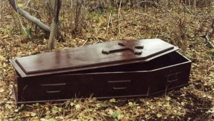 К чему снится гроб: трактуем значение сна