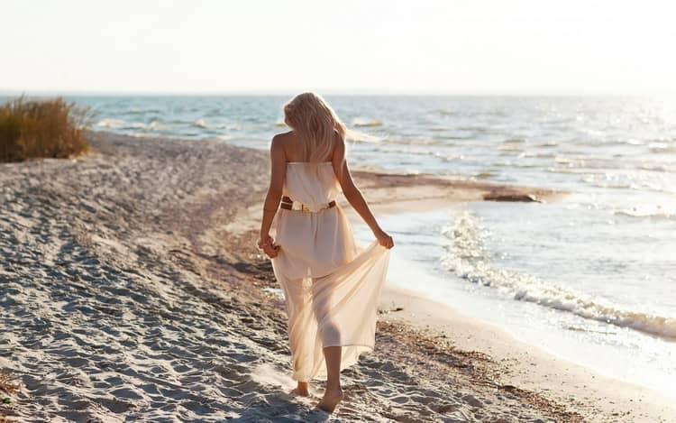 Идти по песку во сне к чему снится