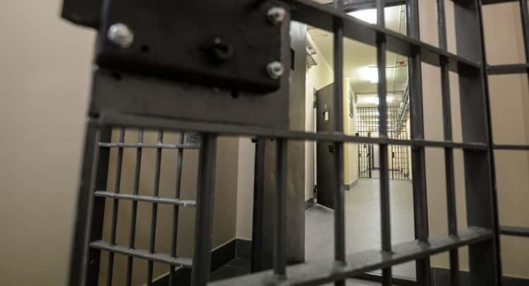 к чему снится тюрьма женщине