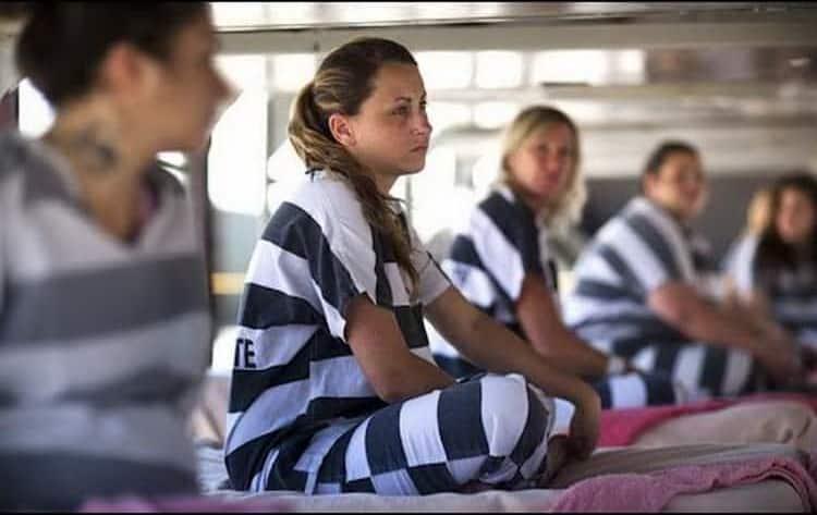 к чему снится тюрьма посадили в тюрьму