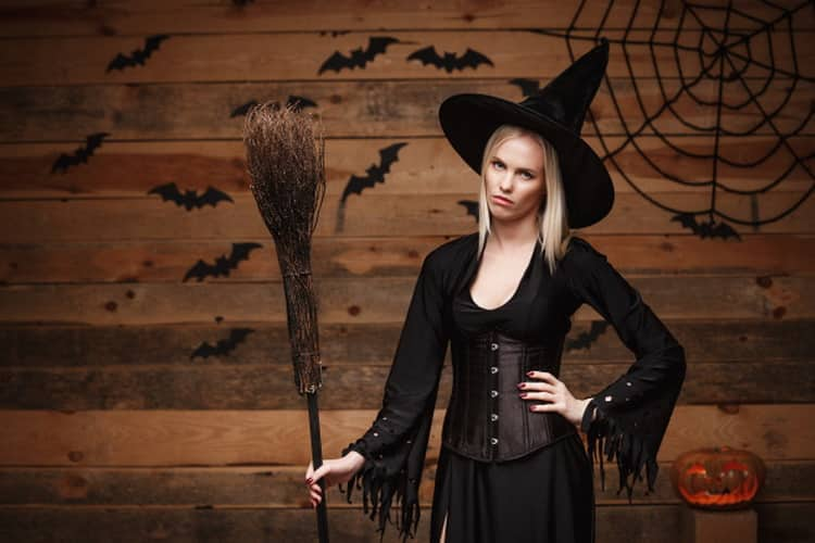 К чему снится ведьма: трактуем значение сна