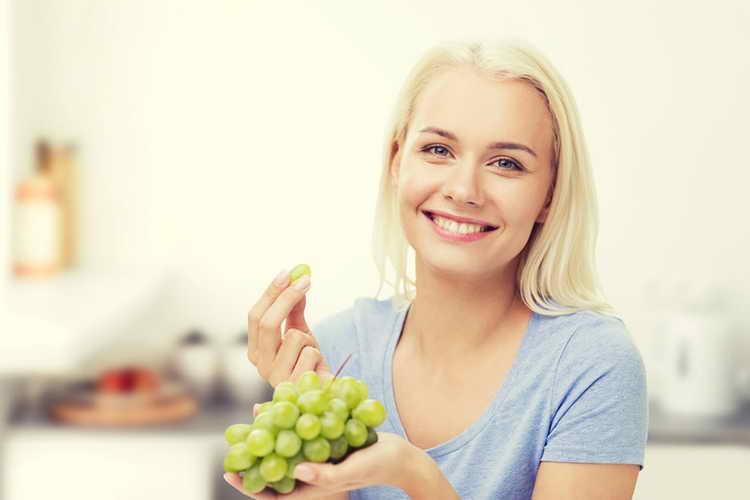 приснился виноград