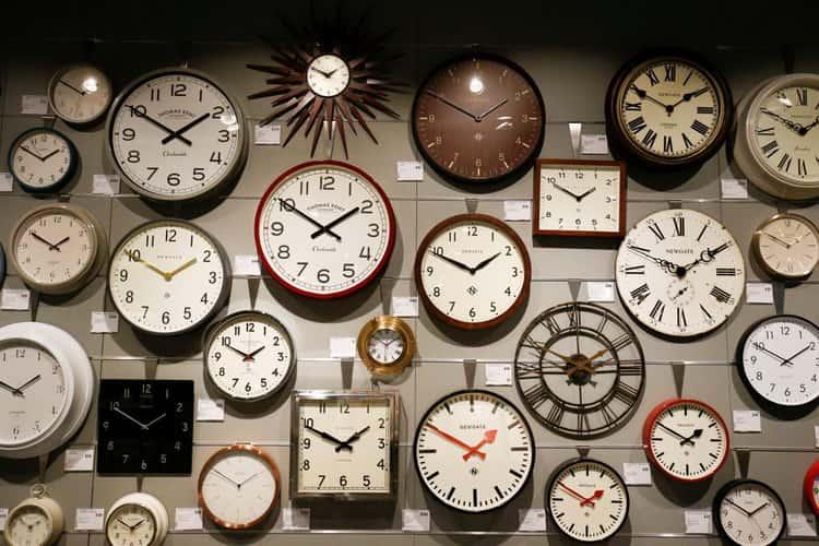 К чему снятся часы: сонник