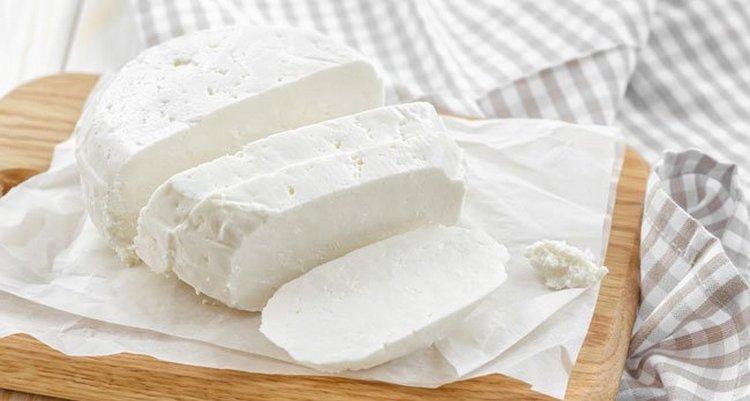 Узнайте все о пользе и вреде адыгейского сыра.