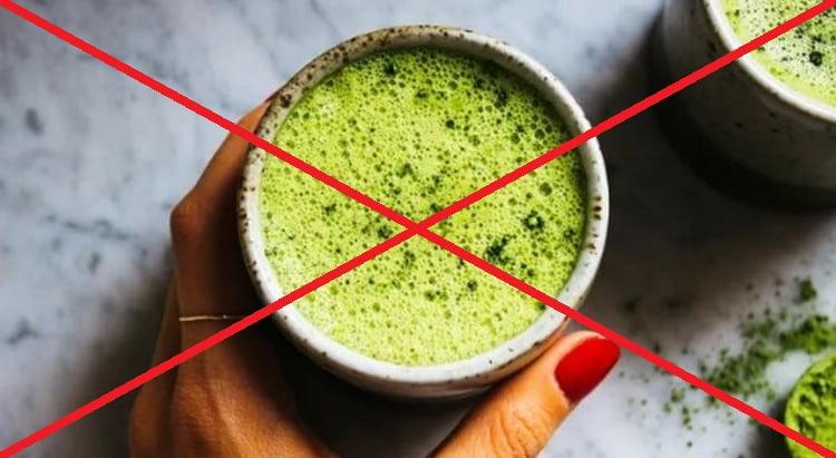 Есть некоторые противопоказания к употреблению этого ярко-зеленого чая.