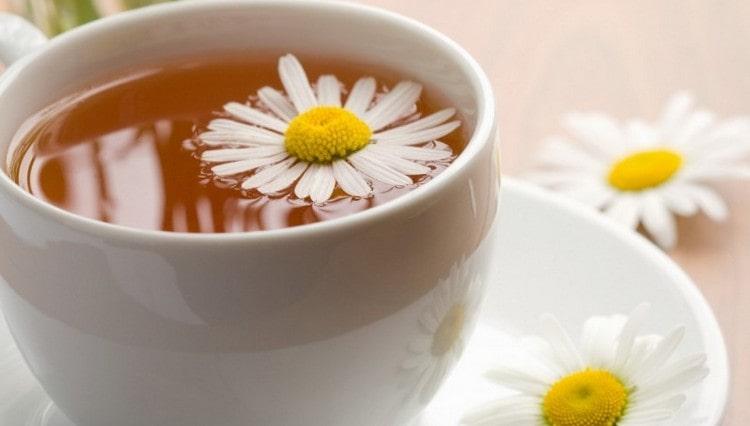 Ромашковый чай тоже пойдет на пользу.