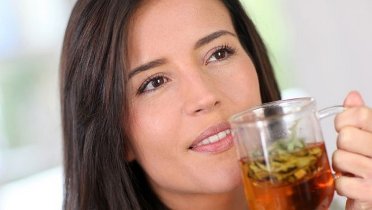 Диета при цистите и пиелонефрите предусматривает также обильное питье.