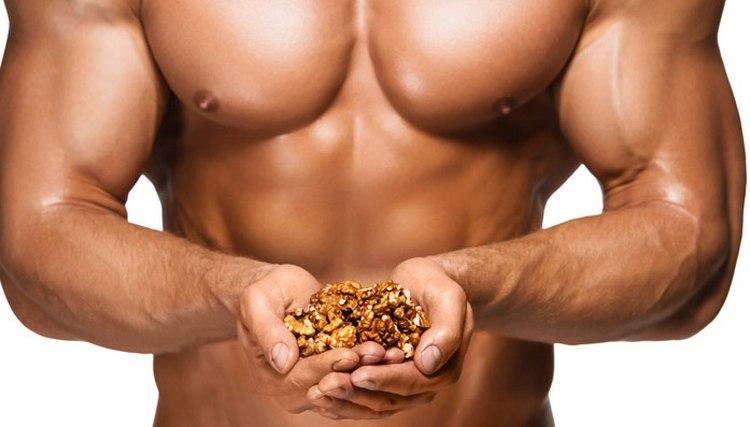 Узнайте о пользе и вреде грецких орехов для мужчин.