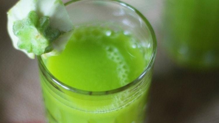 Узнайте также о пользе и вреде сока кабачков.