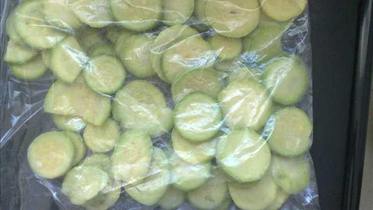 Овощи можно также морозить, чтобы обеспечить себе меню на зиму.