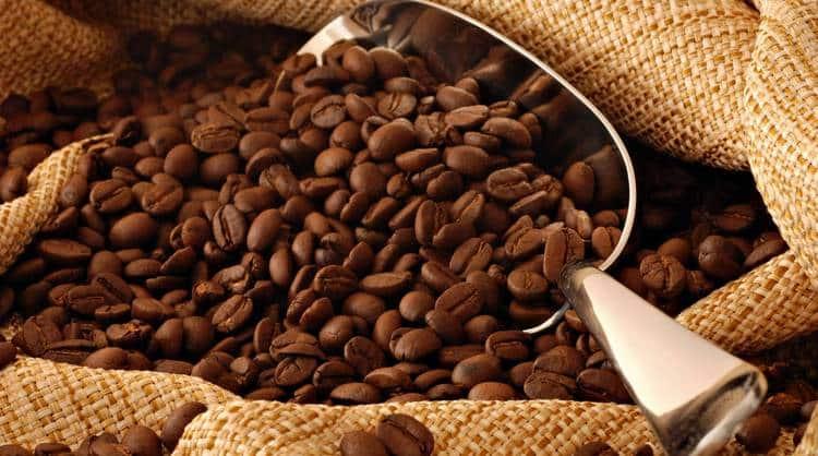 Узнайте о вреде и пользе кофе без кофеина.