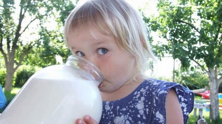Нередко деткам дают это молоко при проблемах с грудным вскармливанием.