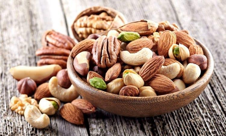 А вот орехи, например, кушать можно.