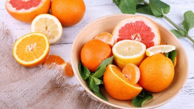 При такой диете желательно есть побольше цитрусовых.