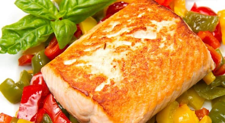 Можно также запечь рыбу с овощами.