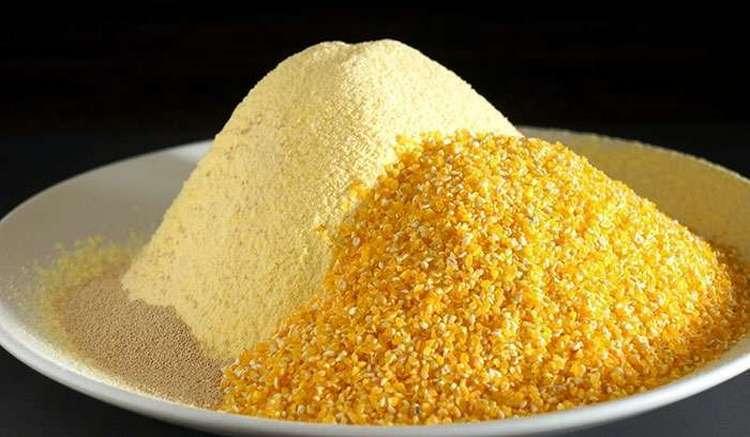 Кукурузная мука это продукт неоднозначный, она может принести как пользу, так и вред для здоровья.
