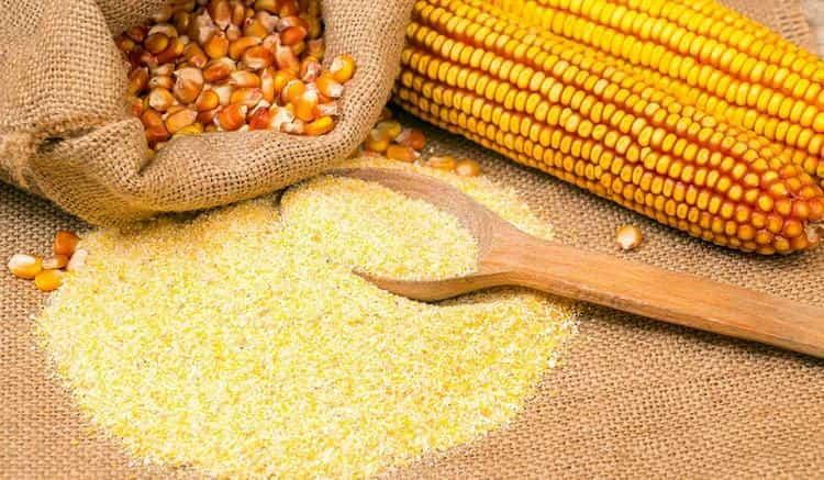 Есть разный помол кукурузной муки.