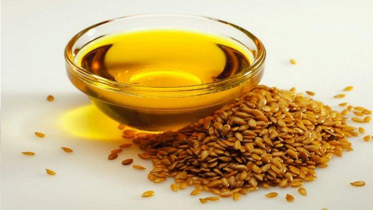 Узнайте все о пользе и вреде льняного масла для женщин.