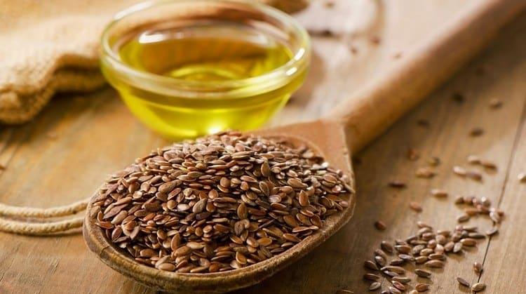 Узнайте все о пользе и вреде нерафинированного льняного масла.