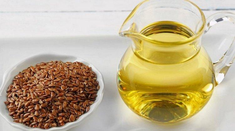 Если хотите получить пользу от льняного масла, но употреблять его вам неприятно, можно принимать его в капсулах.