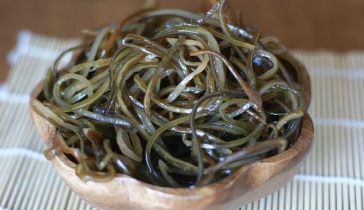 Известно также и о пользе морской капусты для мужчин.