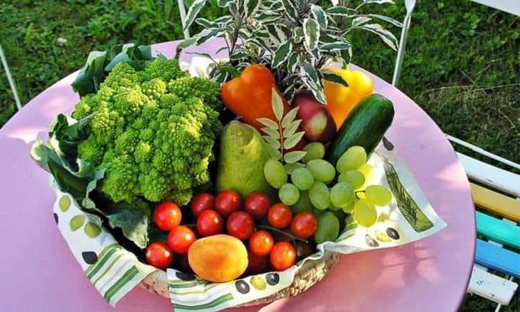 В менюнизкокалорийной диеты для похудения можно смело включать все овощи и фрукты.