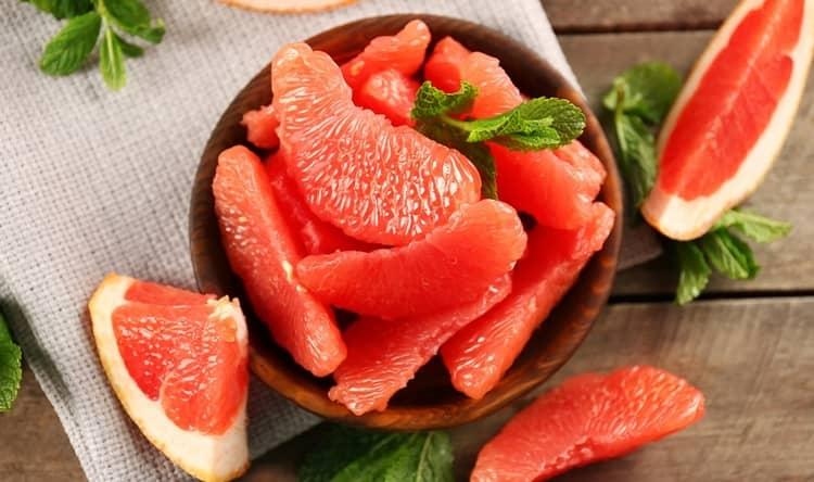 Для перекуса отлично подойдет. к примеру, грейпфрут.