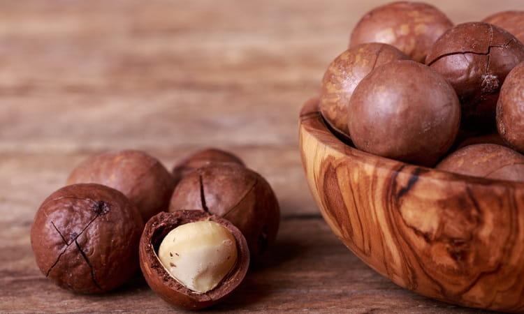 Отзывы врачей о орехе макадамия, а также его польза и вред