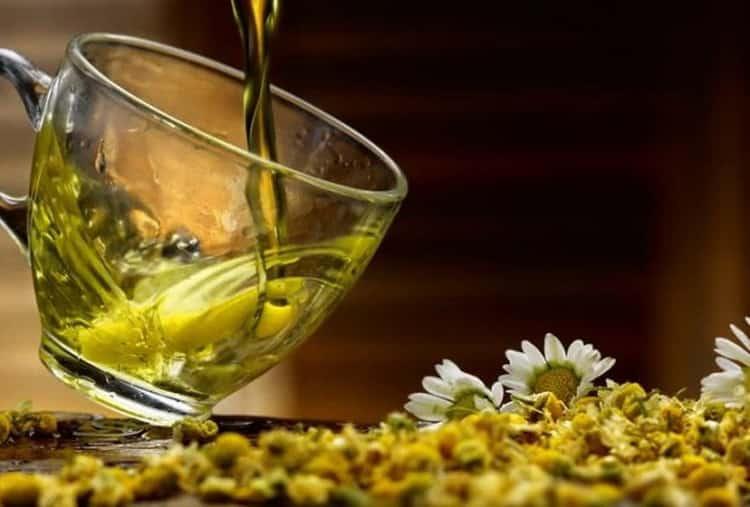 Ромашковый чай: свойства, польза и вред для организма
