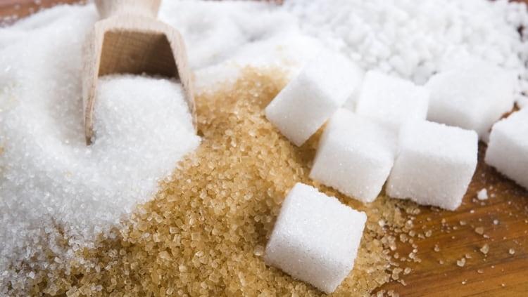 Узнайте о пользе и вреде тростникового сахара.