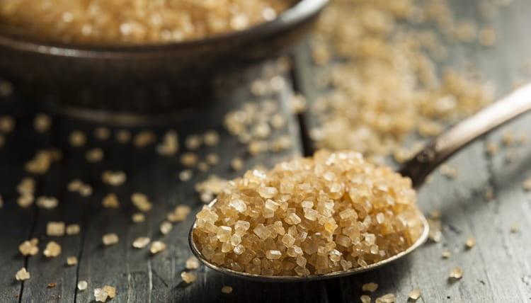 Поговорим о вреде и пользе сахара для организма человека.