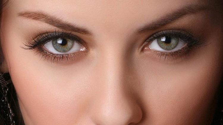 Польза тыквенных семечек для организма также в том, что они положительно влияют на зрение.