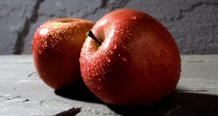 Польза яблок для организма человека
